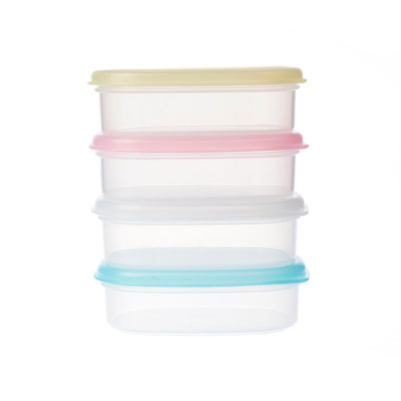 recipientes de plástico del mismo tamaño pero las tapas de diferentes colores en un fondo blanco